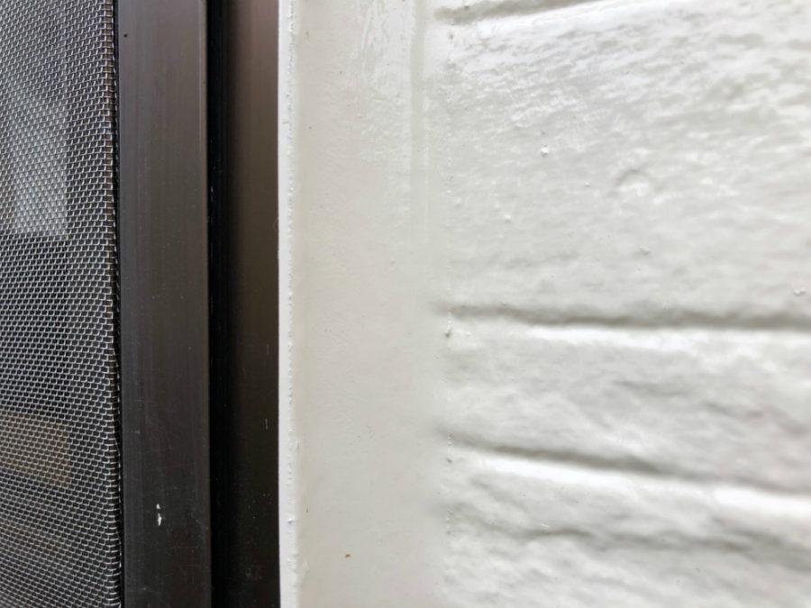 三重県桑名市の外壁塗装工事の塗り分けとシーリング加工